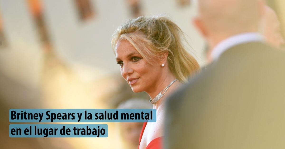 Exterior de un evento que muestra a la cantante Britney Spears desenfocada de la cámara